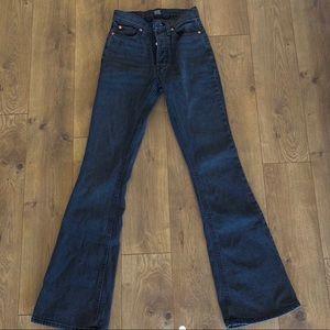 black flared bdg jeans